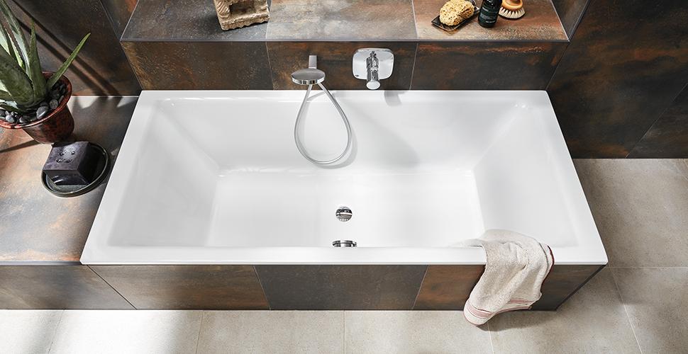 Bade- und Brausewannen, Duschplätze und Duschrinnen